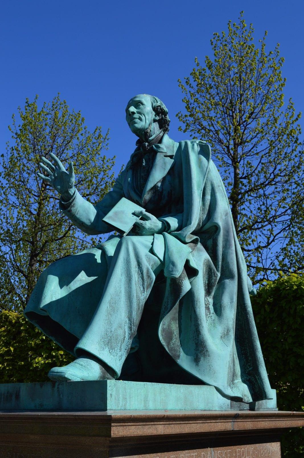 Statue of Hans Christian Andersen, Rosenborg Castle Gardens, HANS CHRISTIAN ANDERSON STORIES